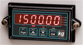 Example of installed SPC4 IP67 cover for 1/8 DIN digital panel meter